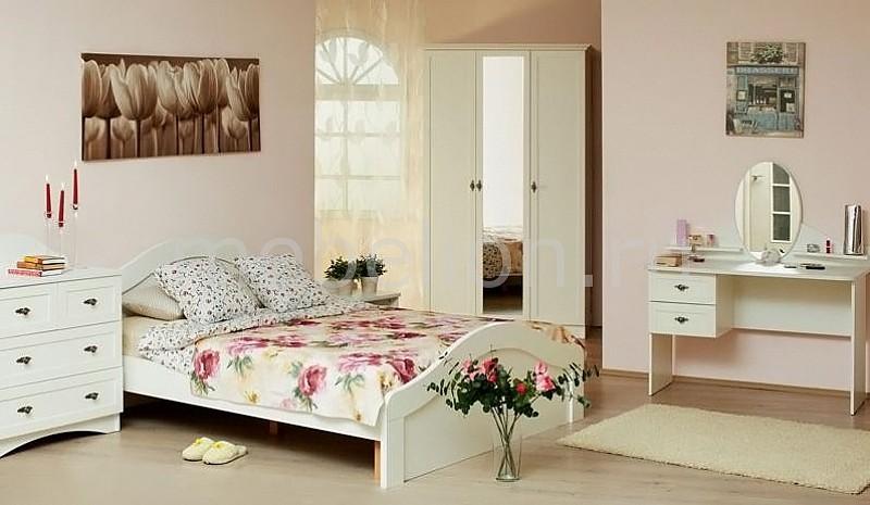 Гарнитур для спальни Прованс  купить тумбочку киров
