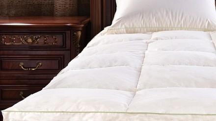 Одеяло плутораспальное Manuela